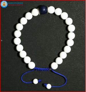 White Conch Shell Bracelet with Lapis Lazuli Bead